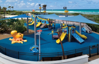Altos Del Mar Park Playground